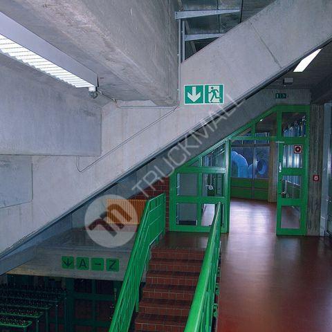 Tabulka - Úniková cesta schody dolů napravo 30 x 15 cm