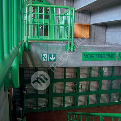 Tabulka - Úniková cesta schody nahoru napravo 30 x 15 cm